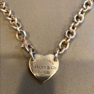 Iconic Heart Tag Tiffany & Co Necklace